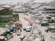 Uitzicht op de haven van Bukom.